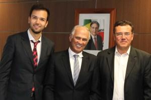 O líder classista Osmani Barbosa Neto, presidente da Sociedade Rural de Montes Claros, filiou-se no final desta semana ao PMDB e pode vir a ser candidato à Prefeitura de Montes Claros.