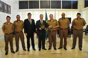 Homenagem da diretoria de Meio Ambiente e Trânsito da Polícia Militar ao presidente da ALMG