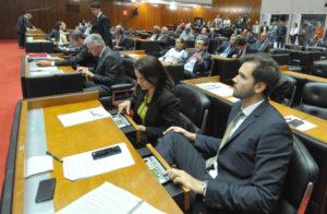 Tadeu Martins Leite votação plenário