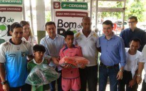 15-02 Parlamentar incentiva programa que oferece esporte a crianças em Juiz de Fora