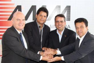 Foto: Ascom AMM – Antônio Carlos Andrada (presidente da AMM); Daniel Sucupira (PT/Teófilo Otoni); Julvan Lacerda (PMDB/Moema); Wander Borges (PSB/Sabará).