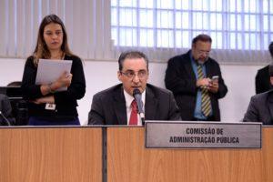 Comissão de Administração Pública elege presidente