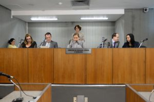 03-05 Comissão de educação quer se reunir com Tribunal de Contas