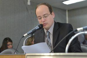 28-06 PL pretende proteger servidores da educação de Minas Gerais