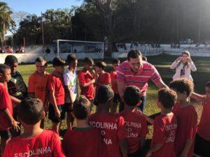 Visita do deputado à escolinha de futebol do Braúna, em Cachoeira da Prata