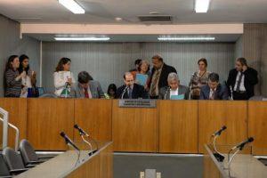 17-08 Projeto que proíbe testes cosméticos em animais pode ser apreciado em plenário