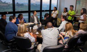 Reunião com secretária de estado de educação, Macaé Evaristo, e alunos de escola pública de Prudente de Morais, realizada em março desse ano. Foto por Marielly Andrade
