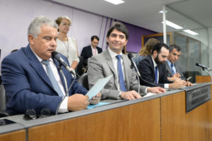 Ivair Nogueira (deputado estadual PMDB/MG), Cássio Soares (deputado estadual PSD/MG), Ulysses Gomes (deputado estadual PT/MG), Doutor Jean Freire (deputado estadual PT/MG)